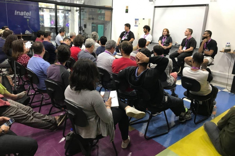 debate blockchain